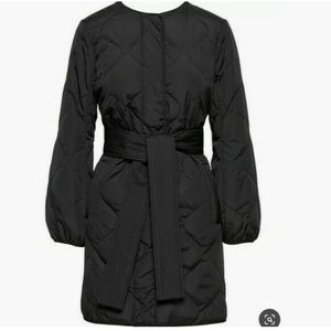 NWT Banana Republic Black Quilted Belted Jacket M